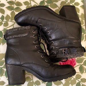 MIA Black Lace up boots